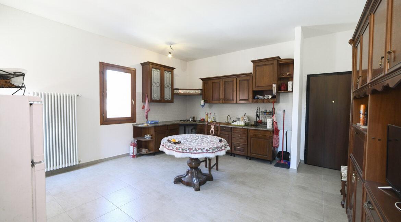 18 - App. 2 (soggiorno-cucina)