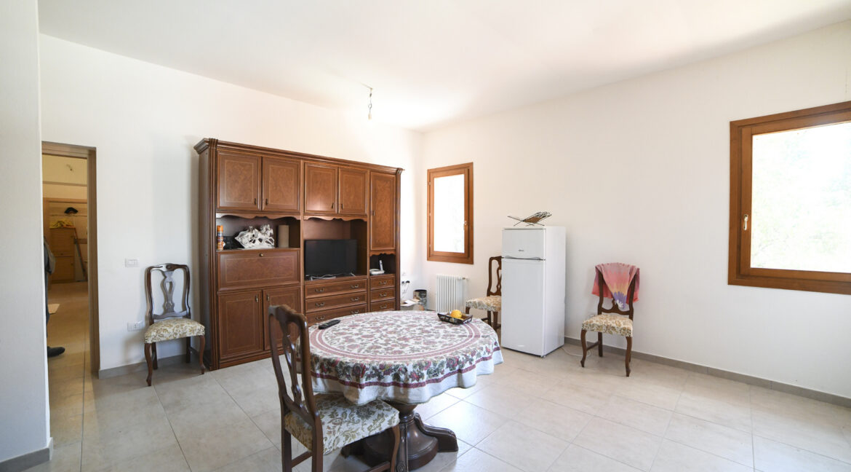 19 - App. 2 (soggiorno-cucina)
